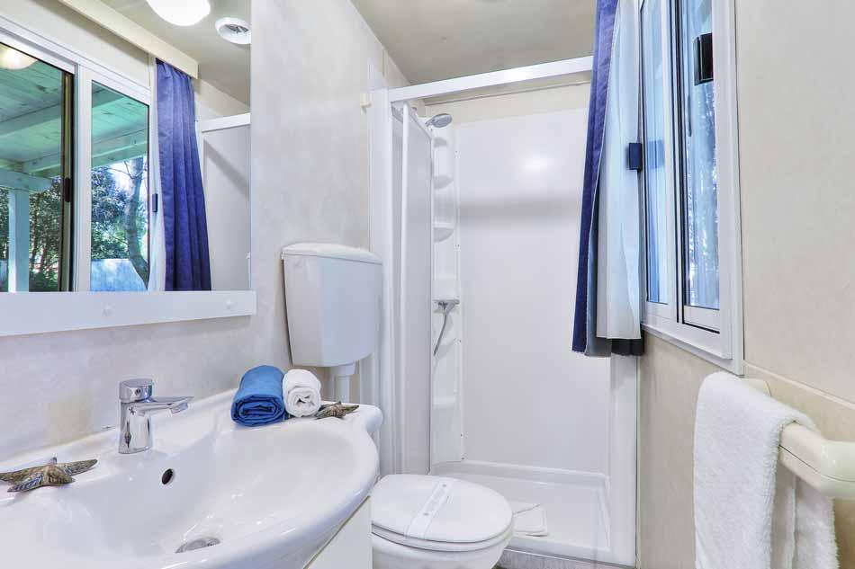 camping toskana im caravan mobile home bibbona. Black Bedroom Furniture Sets. Home Design Ideas