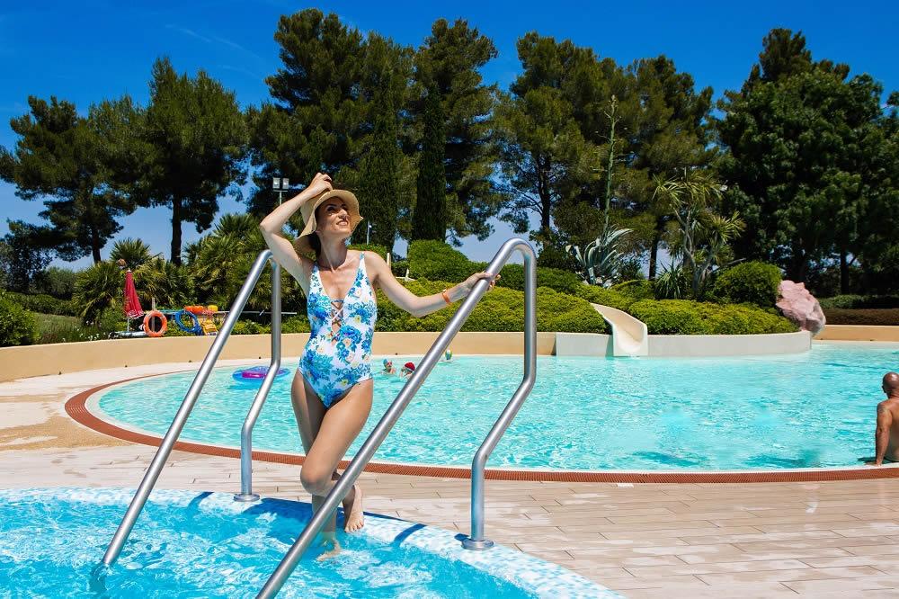 Villaggi con piscina toscana le capanne il campeggio con - B b toscana con piscina ...